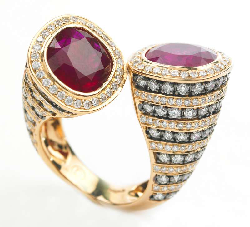 how to become a jewellery buyer
