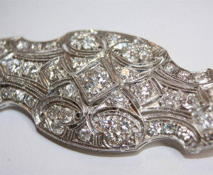 Auction an Art Deco Diamond Brooch