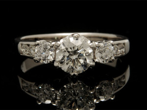 How to Choose a Vintage Engagement Ring
