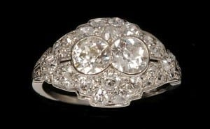 How to Identify Antique/Vintage Jewelry Featured Image