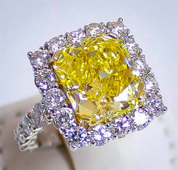 Fancy Yellow Diamond Ring Featured Image